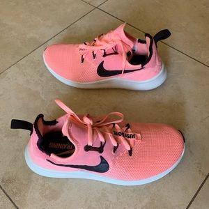 NIB Women's Nike Free TR 8 Training shoes